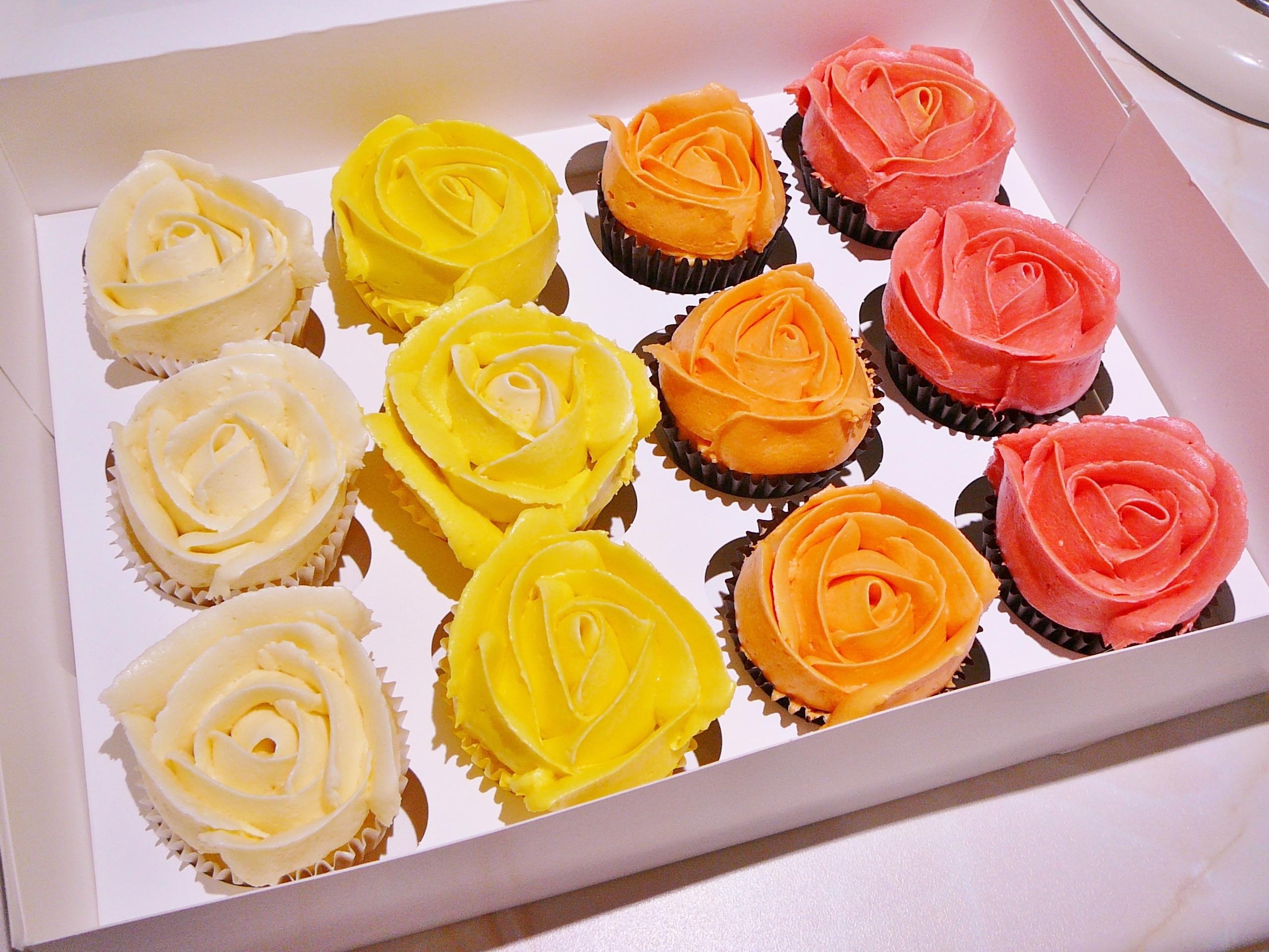 3D rose cupcakes