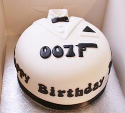007 fondant cake