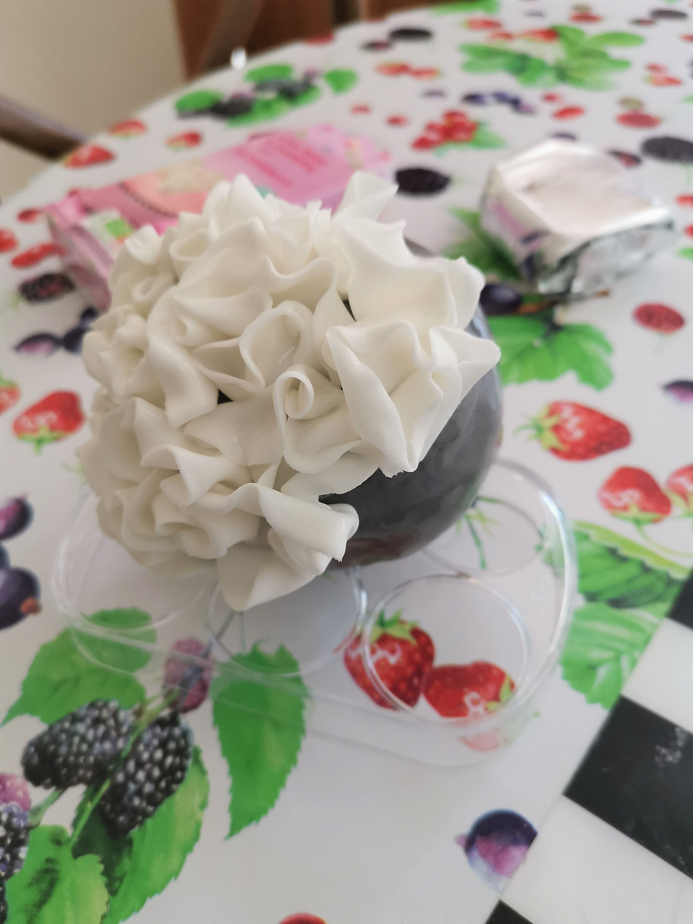 A gluten-free flower ball in the making