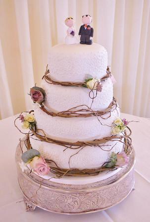 Willow wedding cake