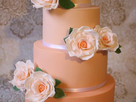 5 Myths About Vegan Wedding Cakes