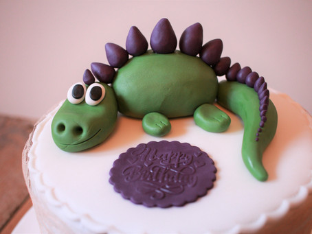 Gorgeous cakes using Sweet Stamps