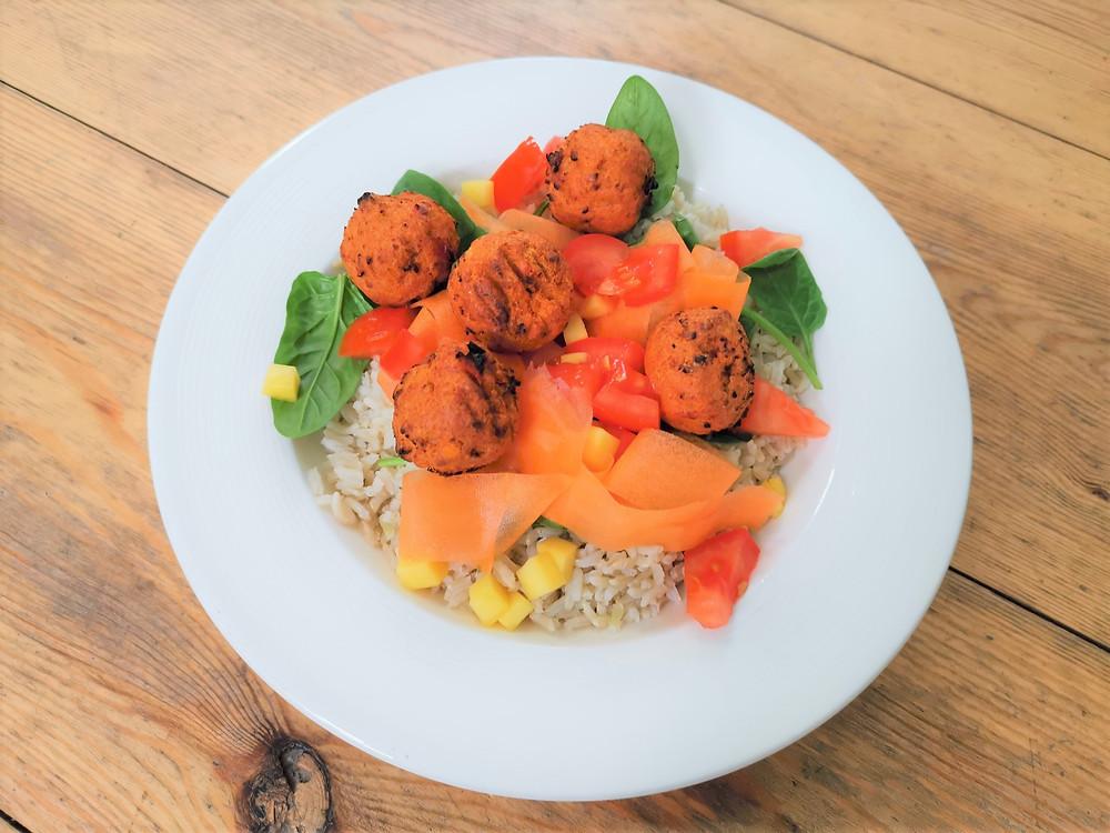 Gosh! pakora with fresh veg and rice