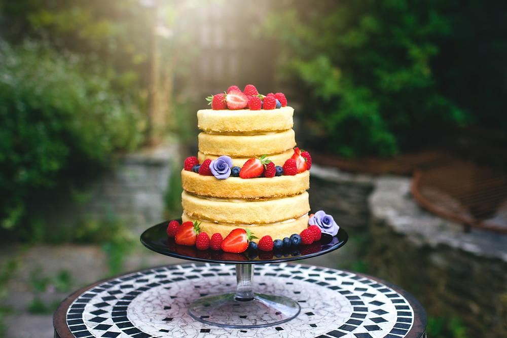 Naked wedding cake masterclass