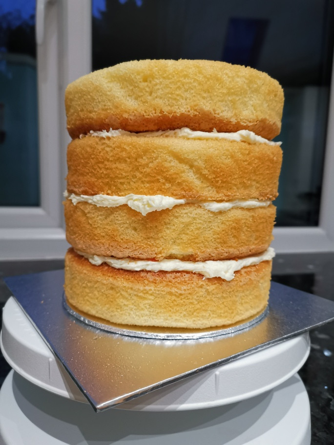 4 layer naked cake