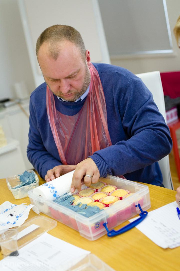 Want to make a cupcake share cake? No problem!