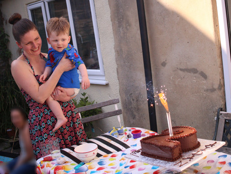 How to rock(et) an egg-free birthday!