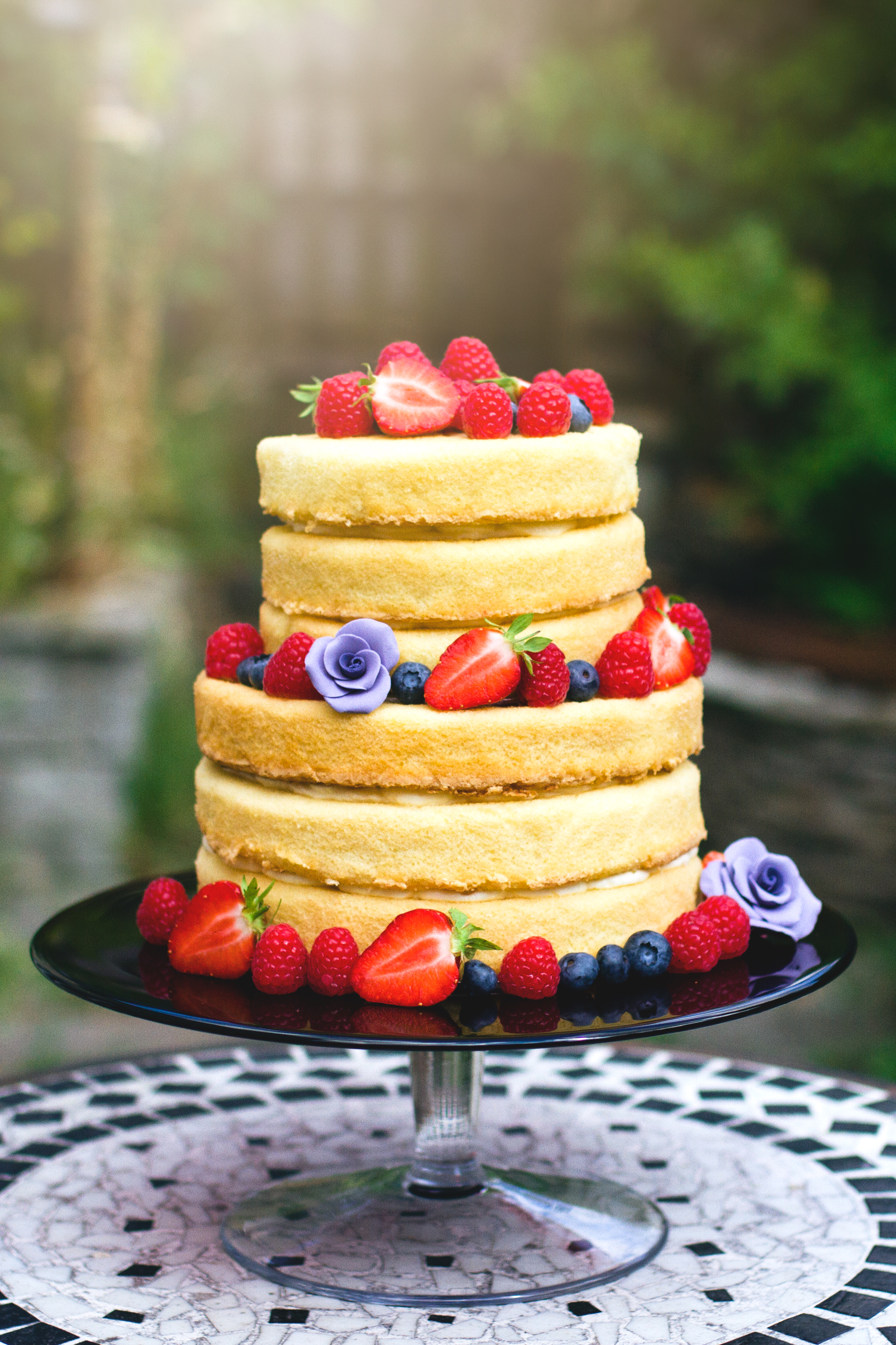Naked wedding cake 2 tier gluten-free