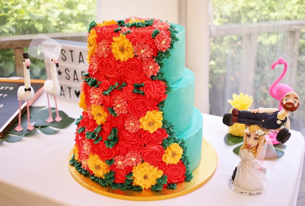 Buttercream flowers wedding cake