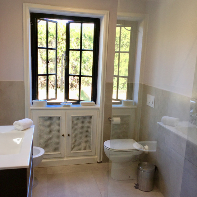 POOL HOUSE BATHROOM -