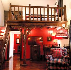 SCOTTISH HOUSE -