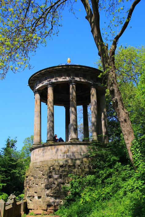Burn's Monument