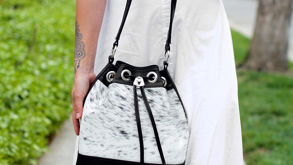 Drawstring Bucket Bag Black