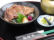 カメリア 能登牛ステーキ丼+(1).JPG