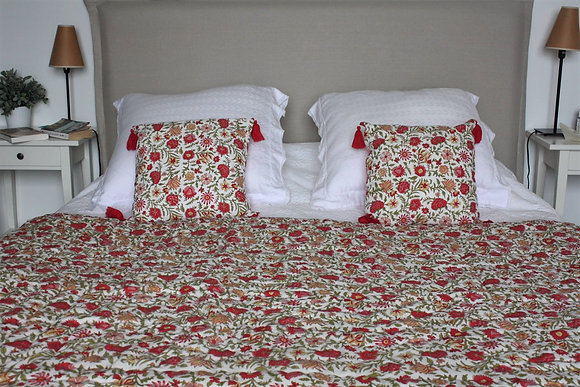 courtepointe Blossom Coquelicot | quilt in red blockprint