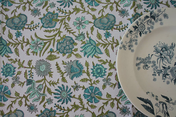 nappe Blossom Lychen | Blockprinted tablecloth green
