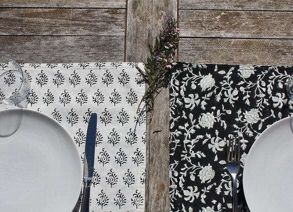 set de table Capucine - Fusain | Placemat in black & white blockprint