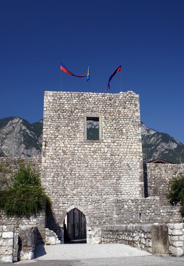 De middeleeuwse stadpoort