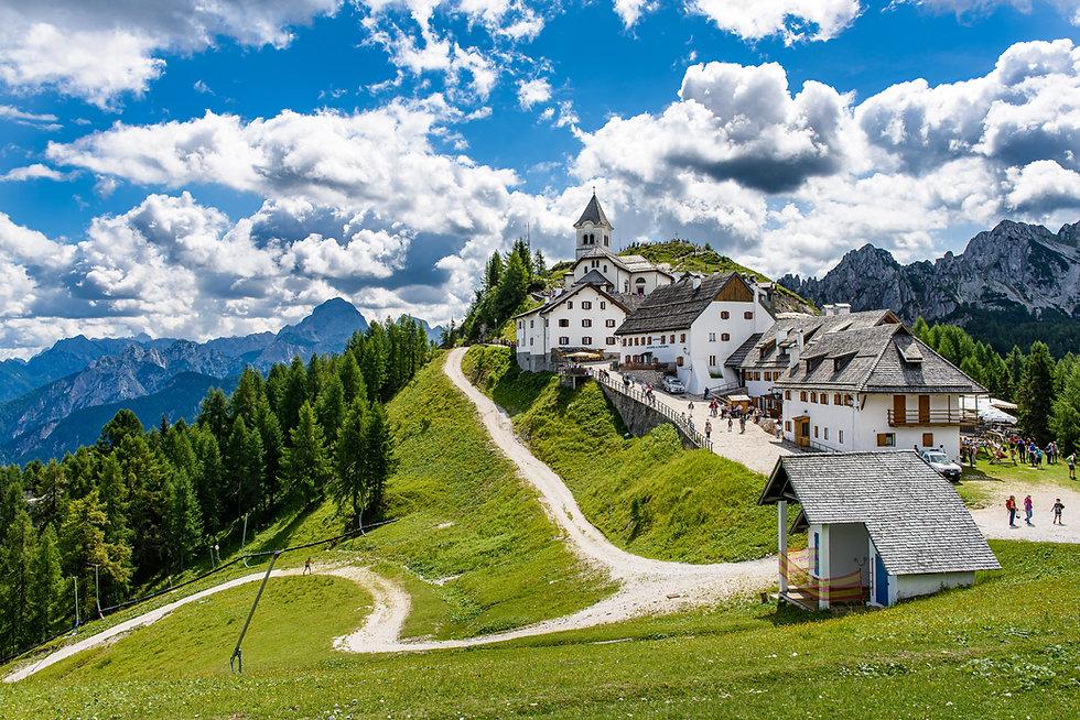 Il Santuario su Monte Lussari