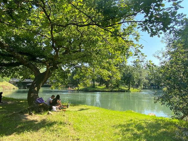 Villa Ottelio met de rivier Stella