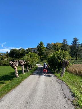Verso il castello di Rive d'Arcano