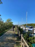 Pedalando lungo il canale