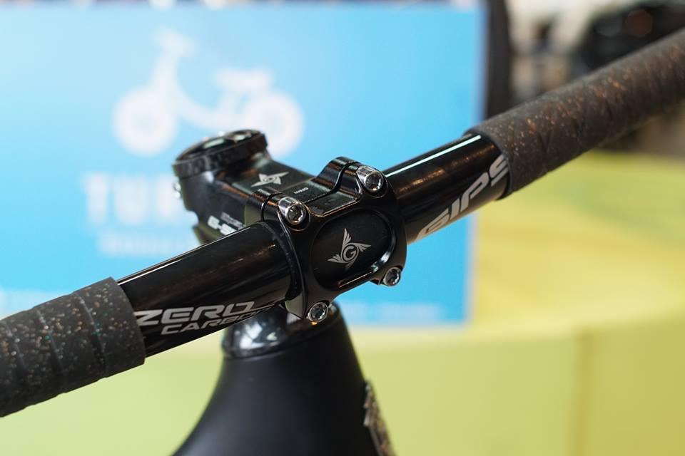 hdb-gip-flat-carbon-2.jpg