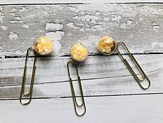 Veroscrap- Set 3 clips con mini sfere - Stelline giallo chiaro