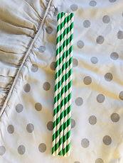 5 cannucce di carta verde  e bianco