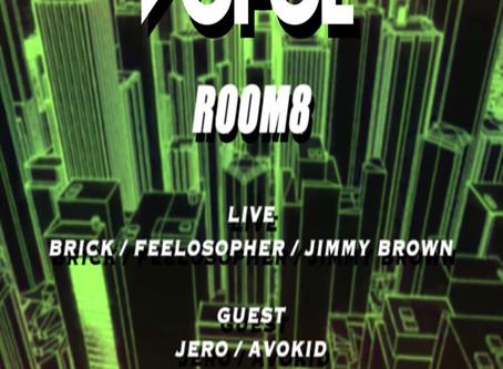 ROOM.8