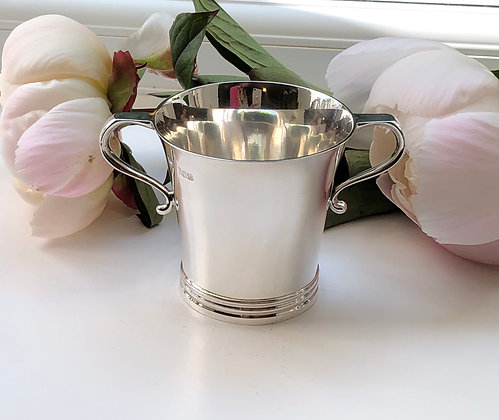 A Two-Handled Art Deco Silver Drinking Tankard, Made In Dublin In 1922.