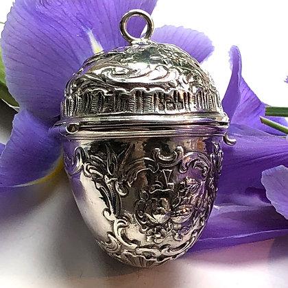 A Silver Egg-Shaped Hinged Box London Import 1903.