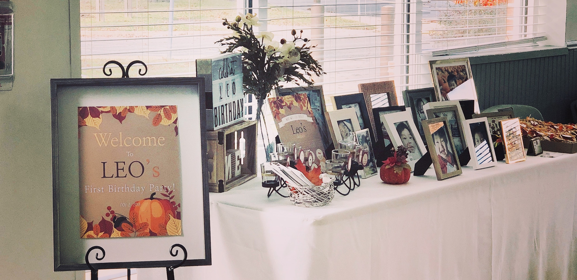 welcome sign & photo table