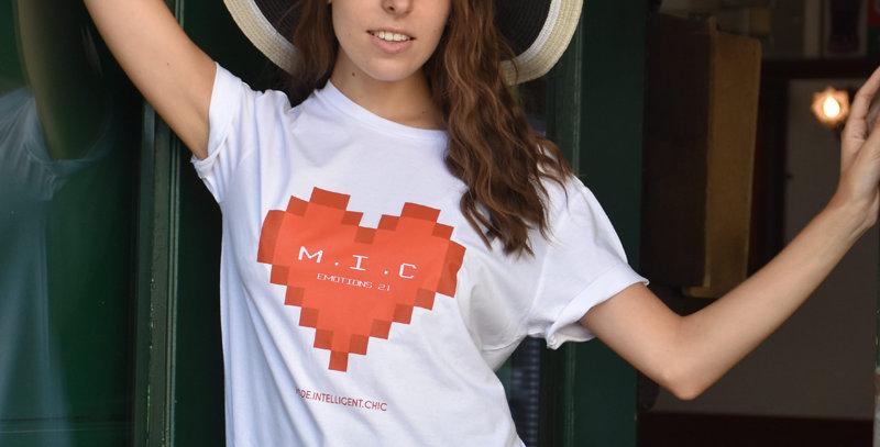 "Tee-shirt femme ""Emotion Pixel"""