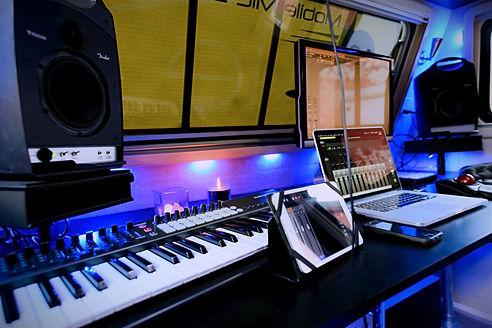 mobilemic mixing.jpg