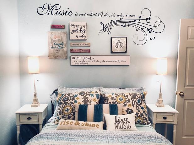 Howe Bedroom 2.jpg