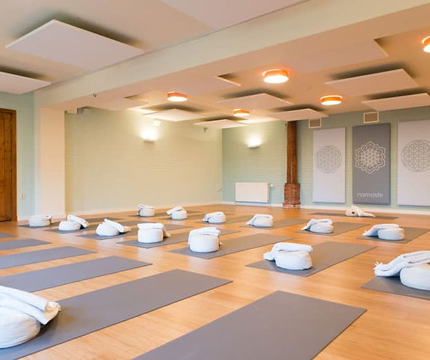 Yogazaal-Retreat-Center-in-Nederland-The