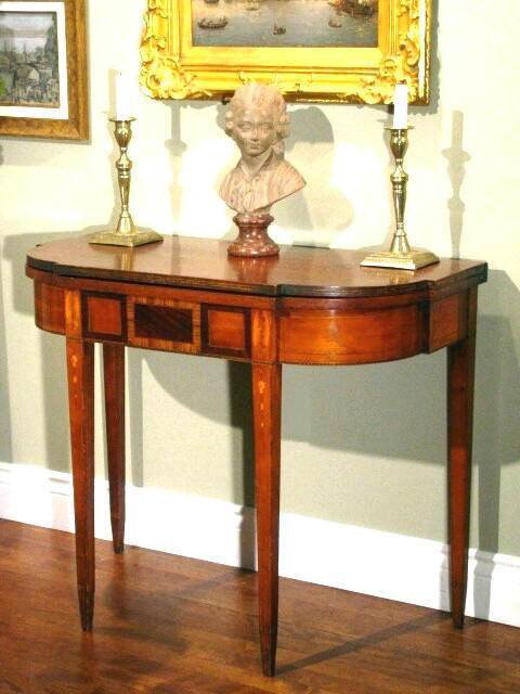 Important Federal Period Inlaid Card Table in Cherry