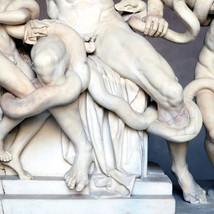 Zastanawialiście się, dlaczego greckie rzeźby mają małe ... [18+] artukuł F5