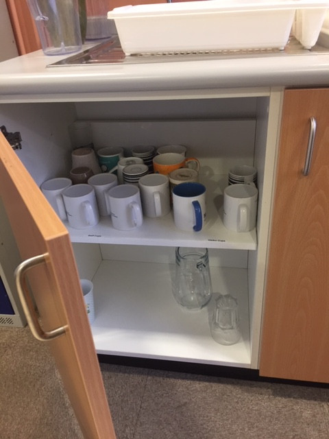 Mug cupboard (after)