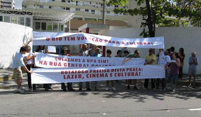 Manifestação - transferência da UPA da Praça Nelson Mandela