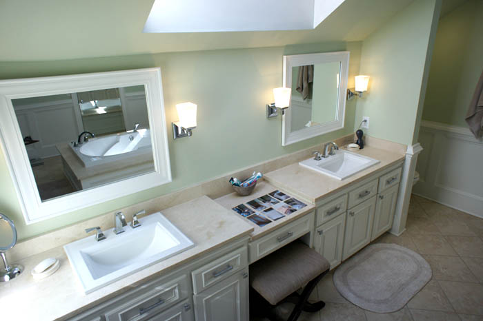 His/ Her sink and mirrors