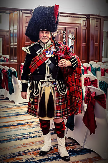 wedding piper, piper for funerals, piper for new years eve, piper for burns night, piper for party's