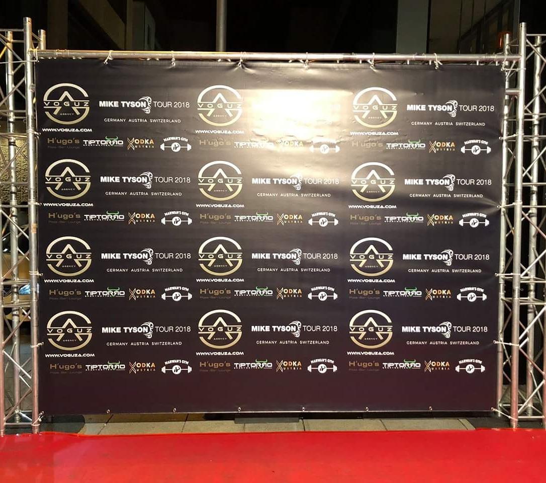 Presse- oder Fotowand mit Banner