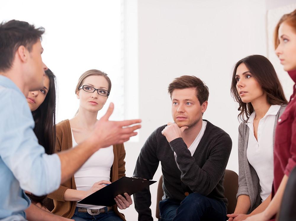 groupe de discussion votrepsychologuedutravail. frederic laura intervention psychologue entreprise