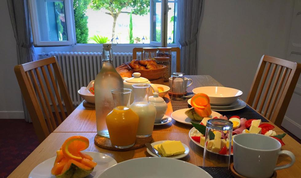 Le Mas Des Abeilles - Bed & Breakfast