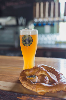 Guggenweizen and Pretzel
