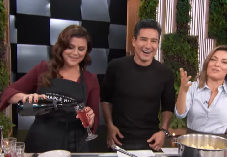 Mario Lopez Reveals 'Saved By The Bell' Co-Star Tiffani Thiessen's Cooking Made His Wife Go Into Lab