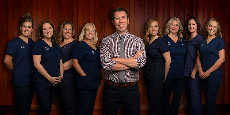 2020_EagleDentalGroupPhoto_RedWood_web.j