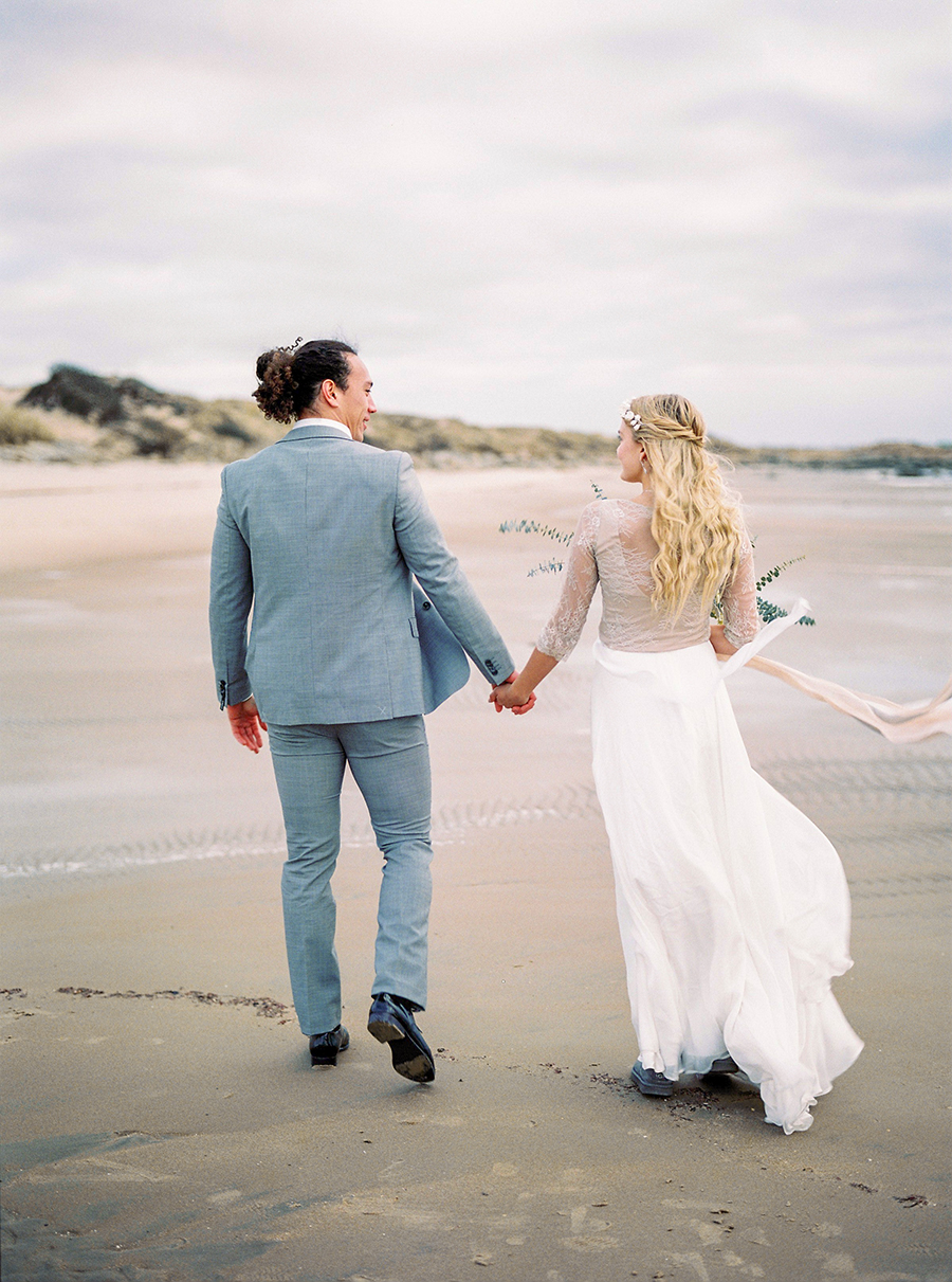 2BridesPhotography_ThoseLovelyDays_WinterBeach_Wedding_043